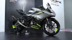 Racing dan Sporty Low Rider: Dua Modifikasi All New Honda CBR150R
